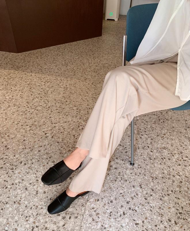 Tối thiểu nàng ngoài 30 tuổi nên có 5 mẫu giày sau để luôn mặc đẹp đến từng chi tiết - ảnh 4