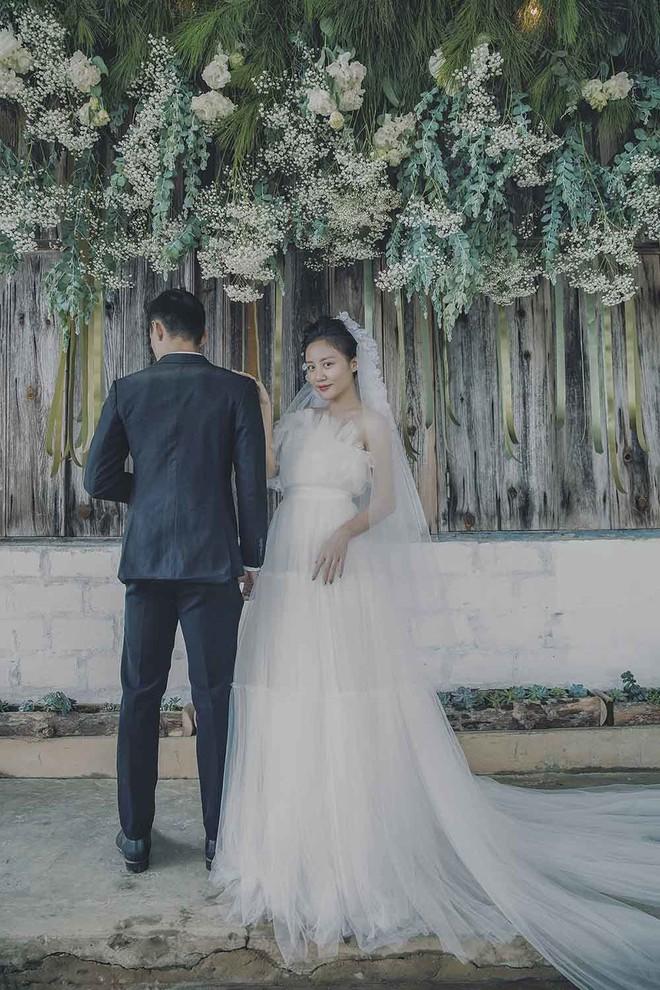 Sau nghi vấn có bạn trai mới, Văn Mai Hương bất ngờ thông báo đã kết hôn? - Ảnh 5.