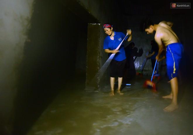 Thau rửa bể ngầm, bể trên cao của tổ hợp chung cư HH Linh Đàm để đón nước sạch - ảnh 6