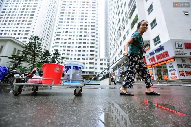 Thau rửa bể ngầm, bể trên cao của tổ hợp chung cư HH Linh Đàm để đón nước sạch - ảnh 10