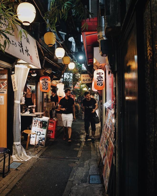Hẻm Nước Tiểu - địa điểm nghe tên thì... hơi sợ nhưng lại cực kì thú vị và đáng để đi ở Tokyo  - Ảnh 17.