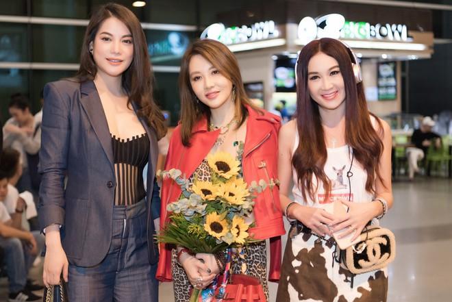Sao Cbiz Ôn Bích Hà đến Việt Nam, bất ngờ với nhan sắc trẻ trung như gái đôi mươi dù đã ở tuổi 53 - ảnh 5