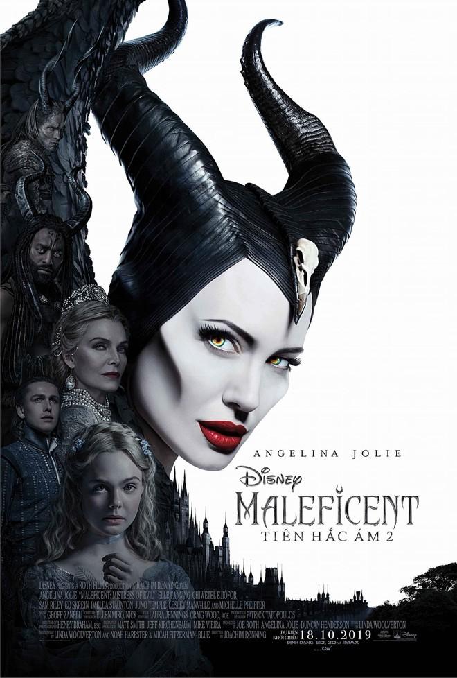 Review Maleficent 2: Sui gia đại chiến hoành tráng nhất năm, tiếc ngẩn ngơ vì chị đẹp Angelina Jolie ít diễn quá! - Ảnh 1.