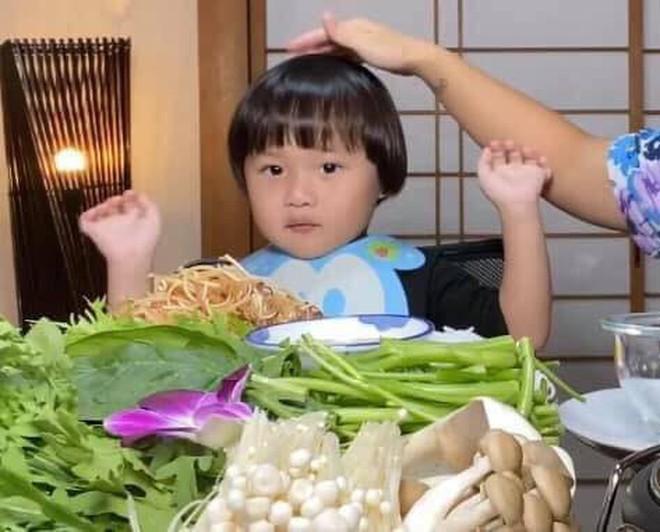 Xem thêm loạt ảnh cưng xỉu của Sa - idol nhí kiêm biểu tượng meme mới đang khiến dân mạng phát cuồng - ảnh 1