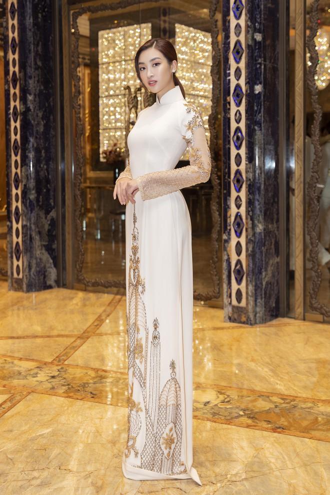 Ngập sắc vàng kim cả một thảm đỏ: Lan Ngọc đài các đúng kiểu Crazy Rich Asian, Nhã Phương long lanh tựa nữ thần - ảnh 5