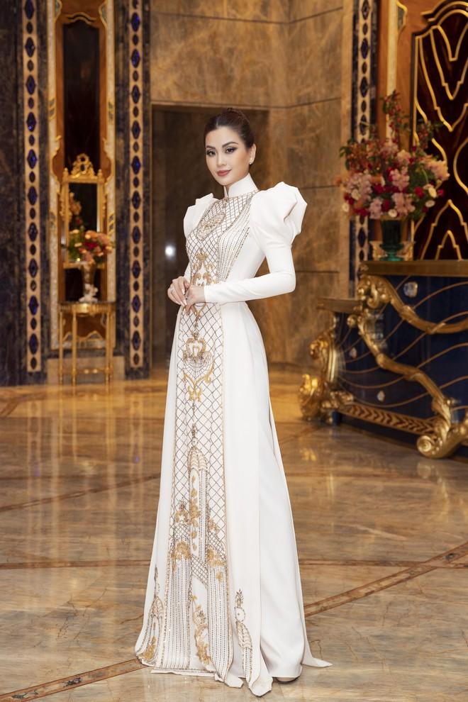 Ngập sắc vàng kim cả một thảm đỏ: Lan Ngọc đài các đúng kiểu Crazy Rich Asian, Nhã Phương long lanh tựa nữ thần - ảnh 7