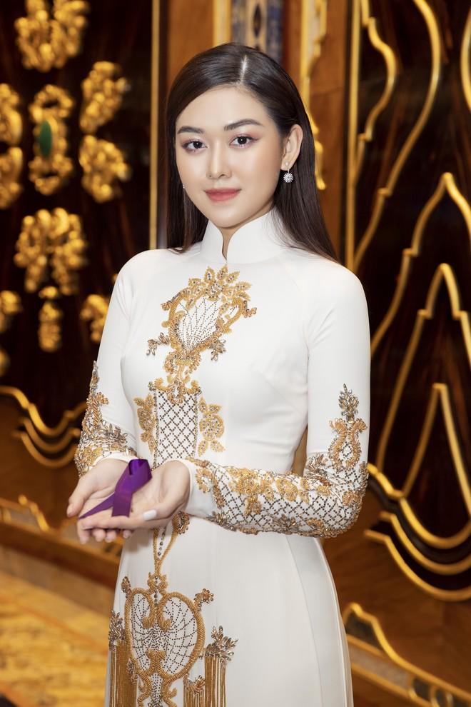 Ngập sắc vàng kim cả một thảm đỏ: Lan Ngọc đài các đúng kiểu Crazy Rich Asian, Nhã Phương long lanh tựa nữ thần - ảnh 8