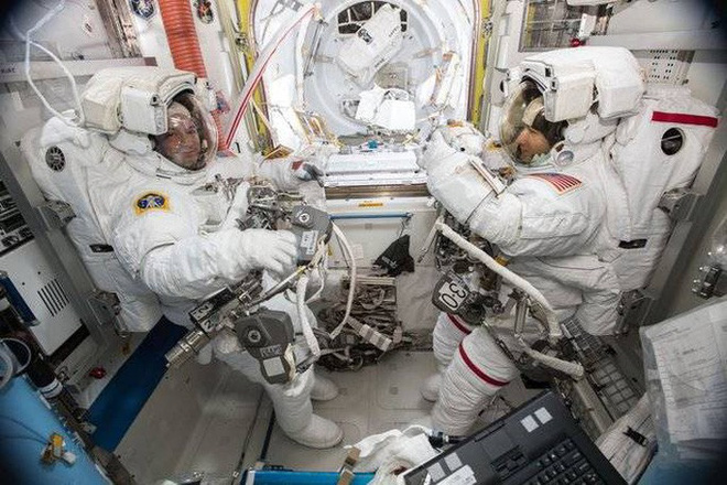 NASA làm nên lịch sử ngoài không gian - ảnh 1