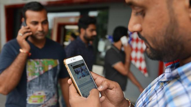 Bang ở Ấn Độ cấm dùng điện thoại di động trong trường đại học, cao đẳng - ảnh 1