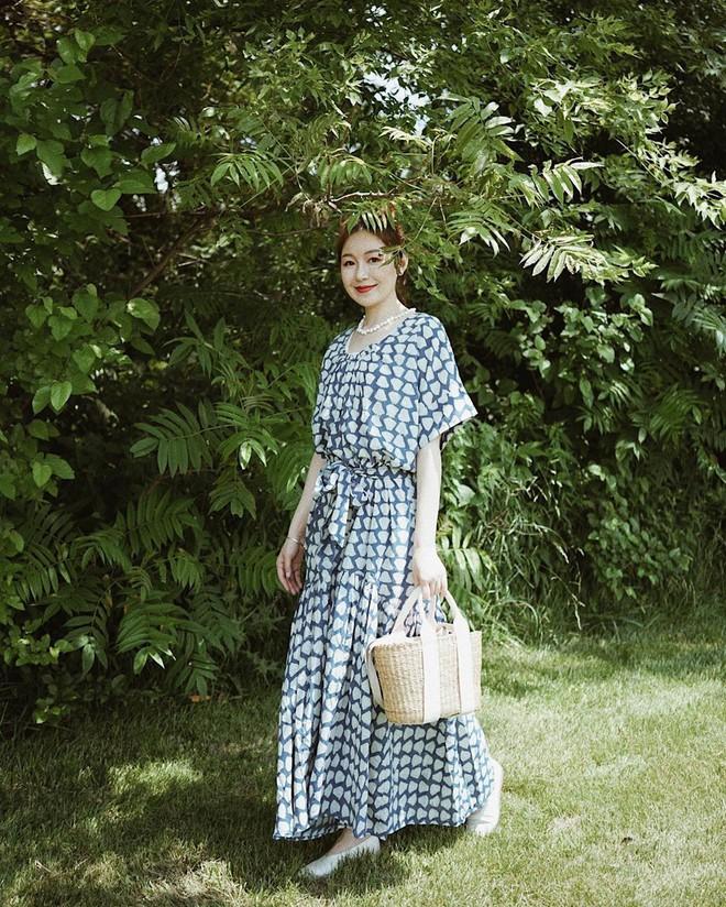 Bỗng thấy không kiểu váy nào vượt qua được váy dài về độ sang chảnh, yêu kiều và hợp rơ với tiết trời se lạnh - ảnh 15
