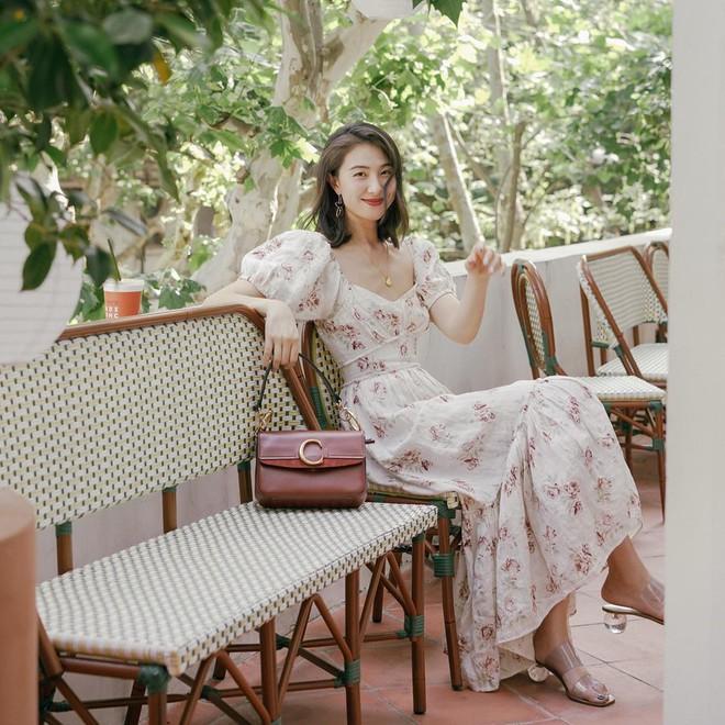 Bỗng thấy không kiểu váy nào vượt qua được váy dài về độ sang chảnh, yêu kiều và hợp rơ với tiết trời se lạnh - ảnh 3