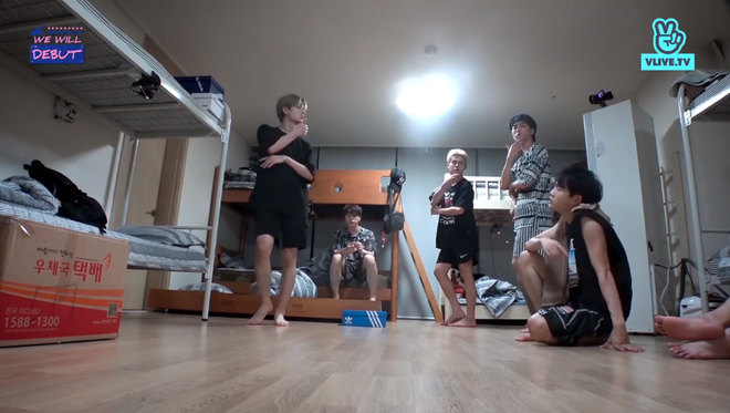 Chết cười khi xem 7 chàng trai D1Verse tập luyện hit iKON trong tình trạng ngái ngủ! - ảnh 2