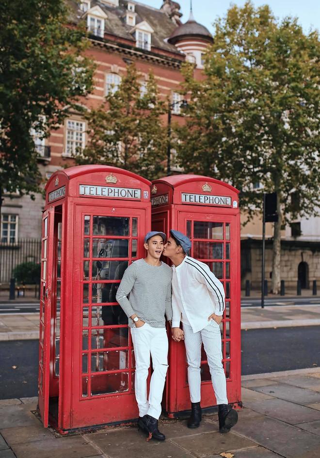 Hồ Vĩnh Khoa và bạn đời tung bộ ảnh kỷ niệm 2 năm ngày cưới tại London: Ngọt ngào tan chảy, nhìn mà ghen tị! - Ảnh 2.
