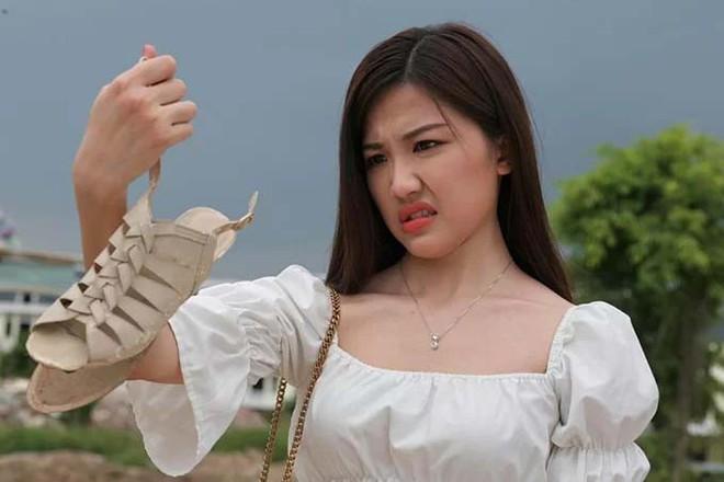 Lộ ảnh Trà Tuesday (Hoa Hồng Trên Ngực Trái) bị đánh tới má nhận không ra: Khuê ra tay hay Thái bạo hành? - Ảnh 2.