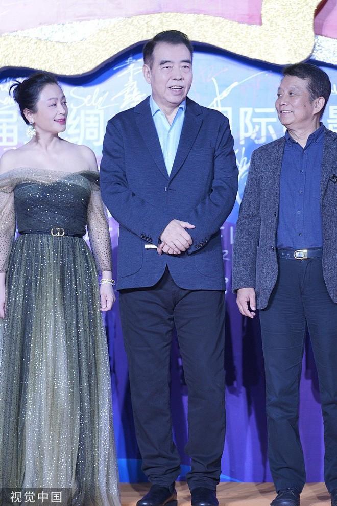 Thảm đỏ Cbiz hot nhất hôm nay: Đôi bạn thân Huỳnh Hiểu Minh - Triệu Vy chiếm spotlight, Na Tra gây sốt vì quá xinh - Ảnh 12.