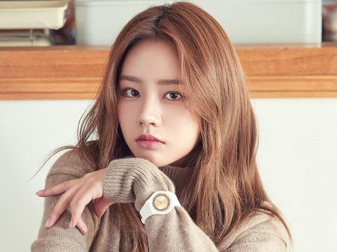 Tranh cãi top 30 nữ idol hot nhất tháng 10: BLACKPINK tụt hạng thê thảm, dẫn đầu là cái tên không ai ngờ tới - ảnh 3