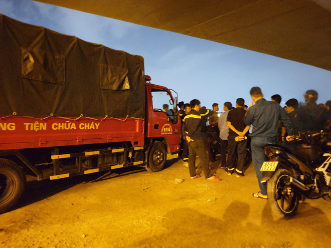 Bình Dương: Người đàn ông gửi giấy tờ cho tài xế xe ôm nhờ đưa về cho người thân rồi nhảy cầu tự tử - ảnh 2