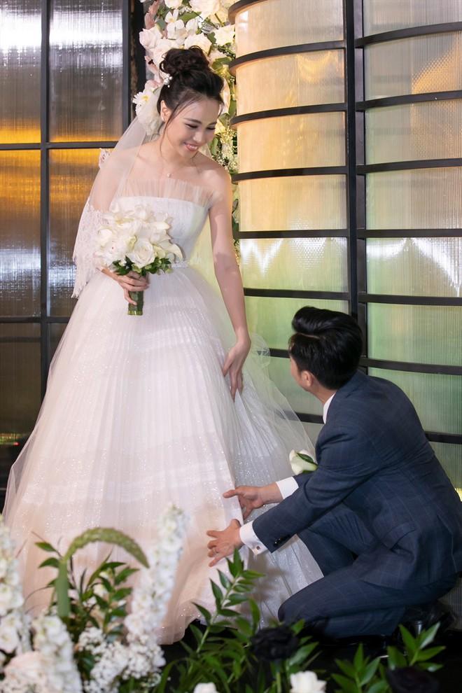 Loạt quy định trong đám cưới sao Vbiz: Đông Nhi quy định gắt gao về khách vào tiệc, Cường Đô La làm dấy lên tranh cãi - ảnh 5