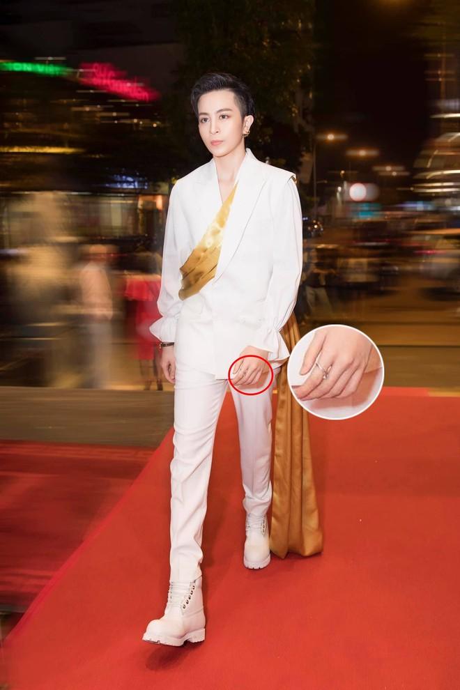 Tránh xuất hiện chung tại sự kiện, Gil Lê và Hoàng Thùy Linh vẫn bị soi đeo nhẫn đôi sau hàng loạt nghi vấn hẹn hò  - Ảnh 2.
