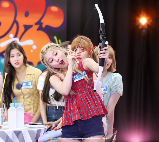 5 nữ idol diện chung một mẫu áo hai dây: Chị đại Taeyeon cân hết hội đàn em 9X - ảnh 8