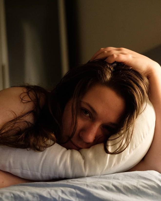 Nữ nhà văn chia sẻ câu chuyện mình không thể đạt cực khoái do mắc một hội chứng ở vùng kín - ảnh 1