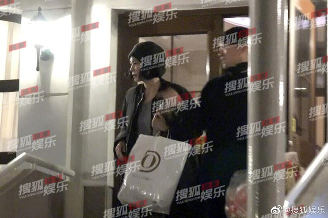 Giữa lùm xùm chia tay Tạ Đình Phong, Vương Phi bị paparazzi tóm sóng khi nửa đêm tới nhà Lý Á Bằng - ảnh 5