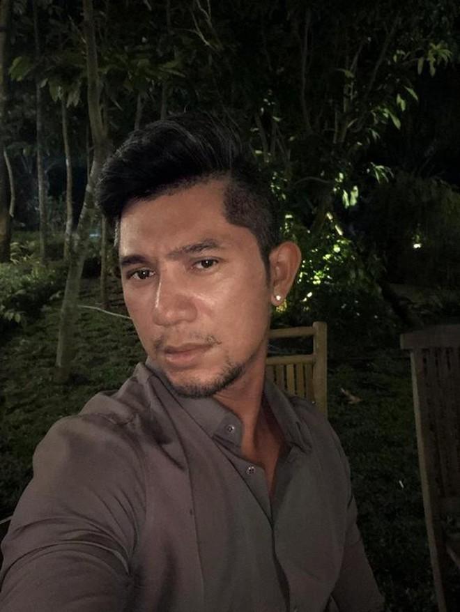 Nhan sắc thật sao nam Vbiz qua camera thường: Hiếm người giữ trọn vẻ điển trai, gây tranh cãi nhất là Việt Anh! - ảnh 9