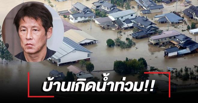 Nhà cửa tan hoang sau siêu bão khủng khiếp nhất lịch sử, HLV tuyển Thái Lan tạm dừng công việc về Nhật Bản gấp - ảnh 1