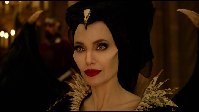Có chị đẹp Angelina Jolie xinh như mộng, được Disney đầu tư nửa tỉ đô la nhưng Maleficent 2 vẫn lỗ sấp mặt là sao ta? - Ảnh 1.