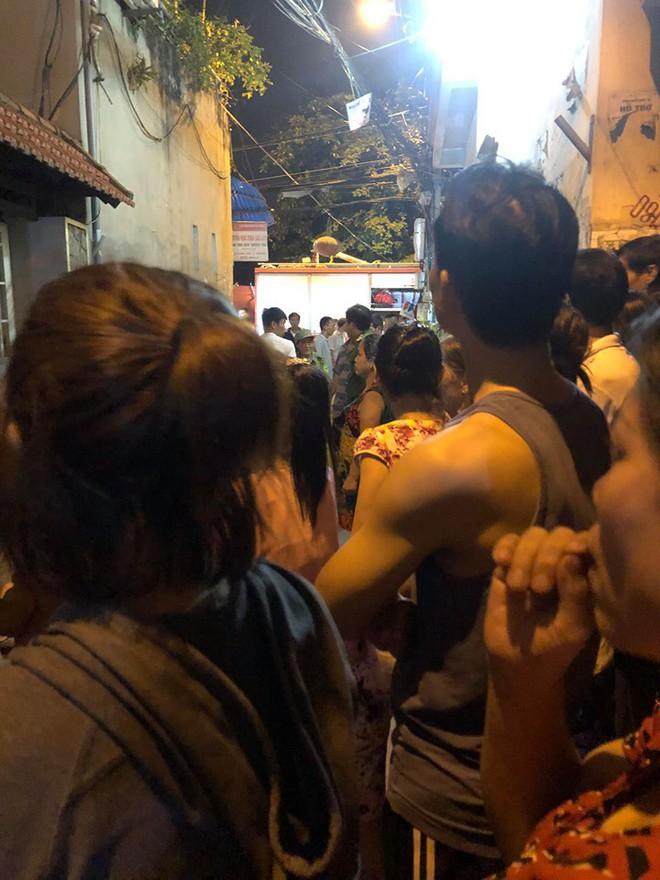 Hà Nội: Con trai tử vong, bố nguy kịch khi xuống thau rửa bể nước ngầm của gia đình - ảnh 2