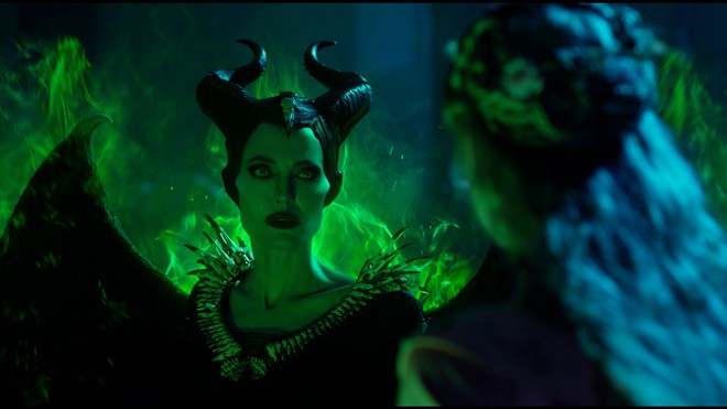 Có chị đẹp Angelina Jolie xinh như mộng, được Disney đầu tư nửa tỉ đô la nhưng Maleficent 2 vẫn lỗ sấp mặt là sao ta? - Ảnh 2.