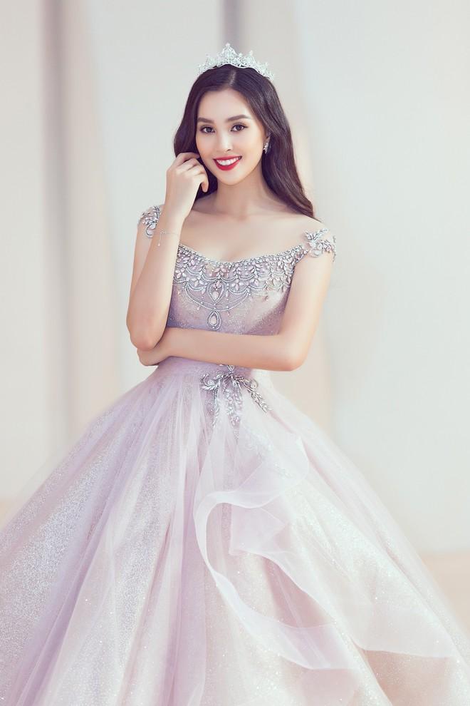 Khoảnh khắc xinh đẹp: Dàn Hoa hậu, Á hậu đình đám Vbiz đọ sắc, hoá Cinderella lộng lẫy như bước ra từ cổ tích - ảnh 6