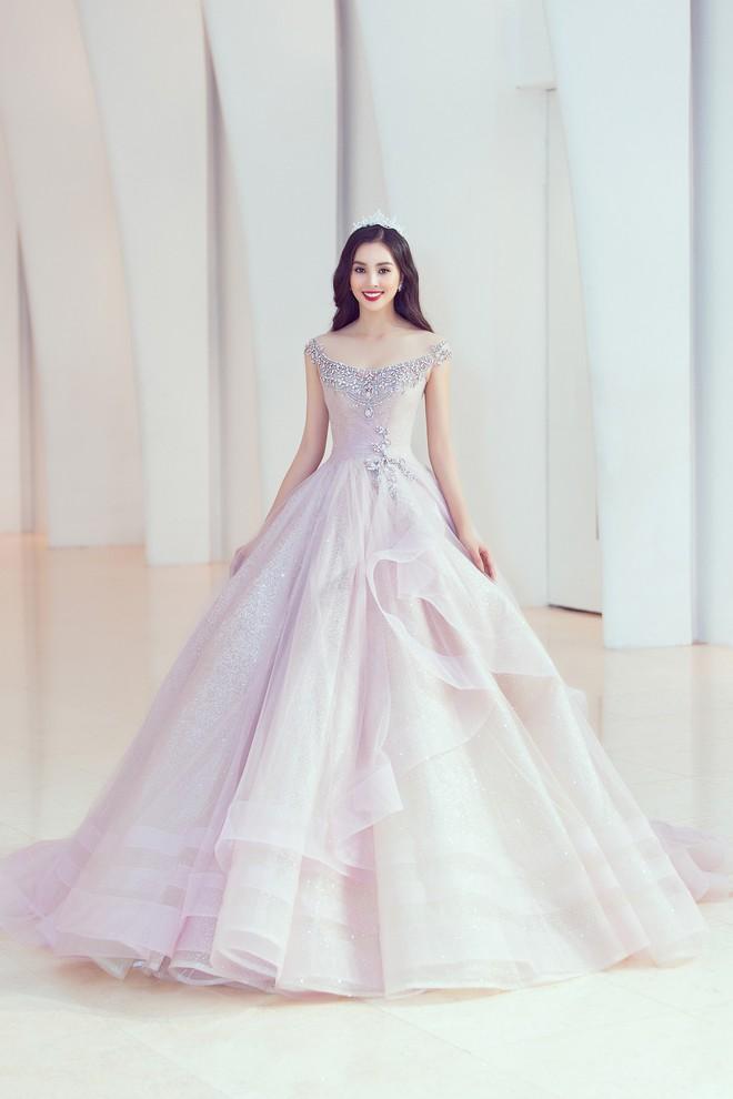 Khoảnh khắc xinh đẹp: Dàn Hoa hậu, Á hậu đình đám Vbiz đọ sắc, hoá Cinderella lộng lẫy như bước ra từ cổ tích - ảnh 5