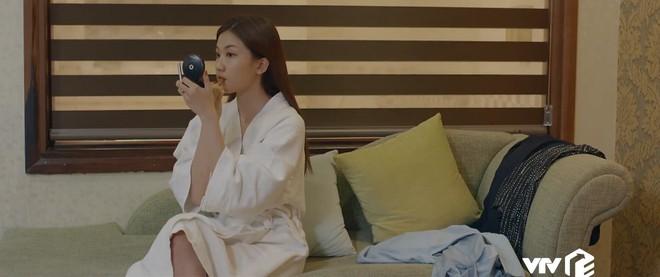 Preview Hoa Hồng Trên Ngực Trái tập 24: Lên giường với lính của Thái, Trà trơ trẽn làm không công còn muốn gì nữa? - ảnh 1