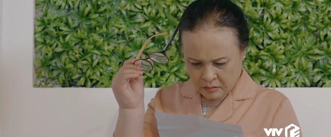 Preview Hoa Hồng Trên Ngực Trái tập 24: Lên giường với lính của Thái, Trà trơ trẽn làm không công còn muốn gì nữa? - ảnh 5
