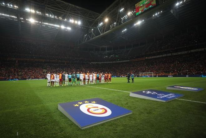 Courtois hóa người nhện, Real Madrid lần đầu hưởng niềm vui chiến thắng tại Champions League mùa này - ảnh 1