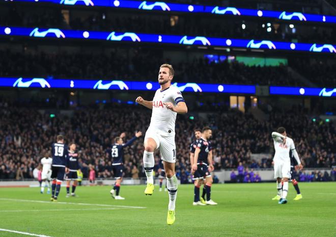 Son Heung-min lập cú đúp, Tottenham chính thức chấm dứt chuỗi phong độ tệ hại bằng thắng lợi 5 sao - Ảnh 1.