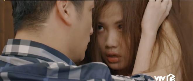 Preview Hoa Hồng Trên Ngực Trái tập 24: Lên giường với lính của Thái, Trà trơ trẽn làm không công còn muốn gì nữa? - ảnh 7