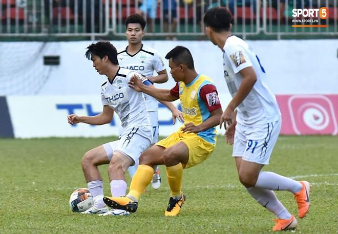 Cầu thủ HAGL tri ân Lương Xuân Trường trong ngày đội bóng phố núi trụ hạng - ảnh 5