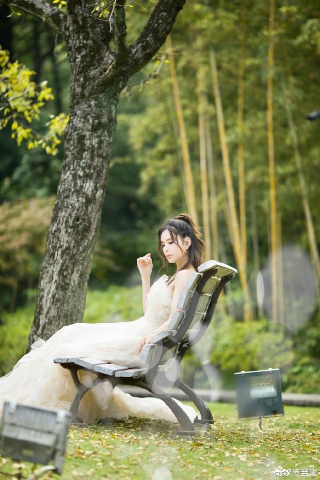 Tiểu Long Nữ Lý Nhược Đồng bất ngờ khoe ảnh váy cưới ở tuổi 46, lý do đằng sau khiến Cnet dở khóc dở cười - ảnh 5