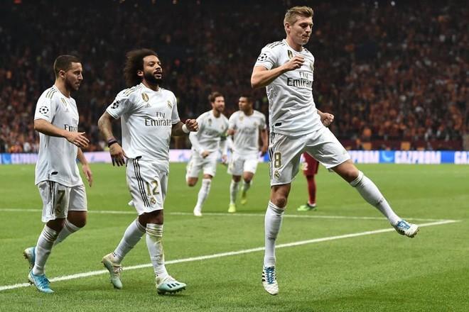 Courtois hóa người nhện, Real Madrid lần đầu hưởng niềm vui chiến thắng tại Champions League mùa này - ảnh 4
