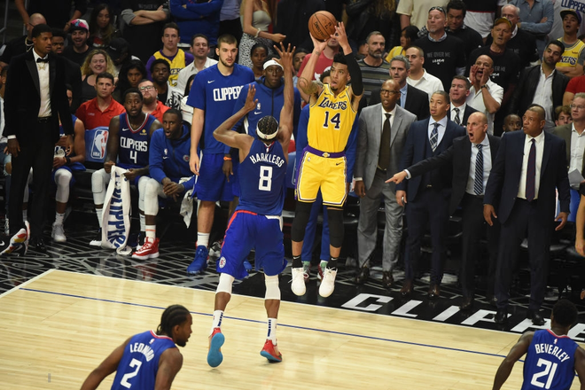 NBA 19-20: Dàn dự bị tỏa sáng, hàng thủ chất lượng cùng phong độ đỉnh cao của Kawhi Leonard giúp Clippers giành chiến thắng trận derby Los Angeles - ảnh 3