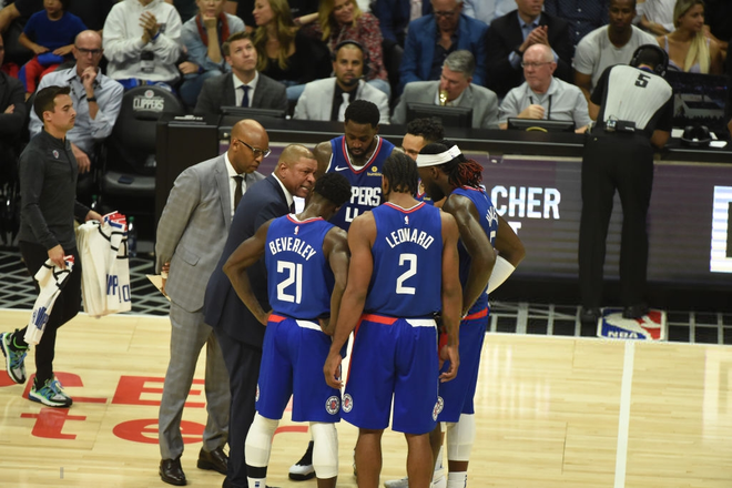 NBA 19-20: Dàn dự bị tỏa sáng, hàng thủ chất lượng cùng phong độ đỉnh cao của Kawhi Leonard giúp Clippers giành chiến thắng trận derby Los Angeles - ảnh 4