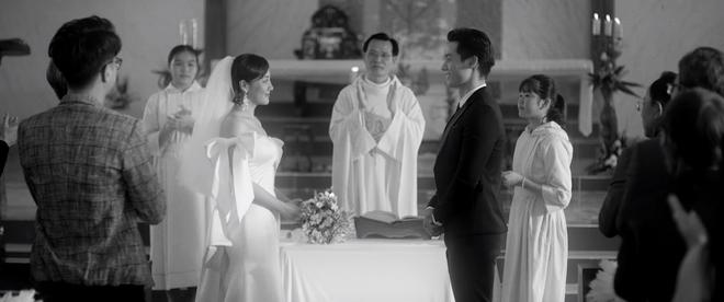 Sốc: Văn Mai Hương khóa môi Đồng Ánh Quỳnh cực nồng nàn trong MV song ca với Bùi Anh Tuấn, plot twist đến tận giây cuối cùng - ảnh 1