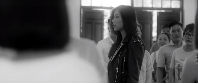 Sốc: Văn Mai Hương khóa môi Đồng Ánh Quỳnh cực nồng nàn trong MV song ca với Bùi Anh Tuấn, plot twist đến tận giây cuối cùng - ảnh 2