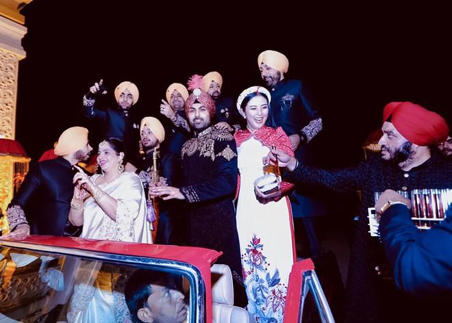 Ngọc Hân, Phương Nga dự đám cưới 5 ngày của con gái đại gia Ấn Độ: Diện Áo dài nền nã, nổi bật bên cô dâu chú rể - ảnh 6
