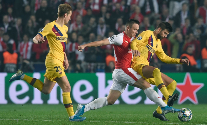Messi lại lập kỉ lục, Barcelona suýt mất điểm tại Prague - ảnh 1