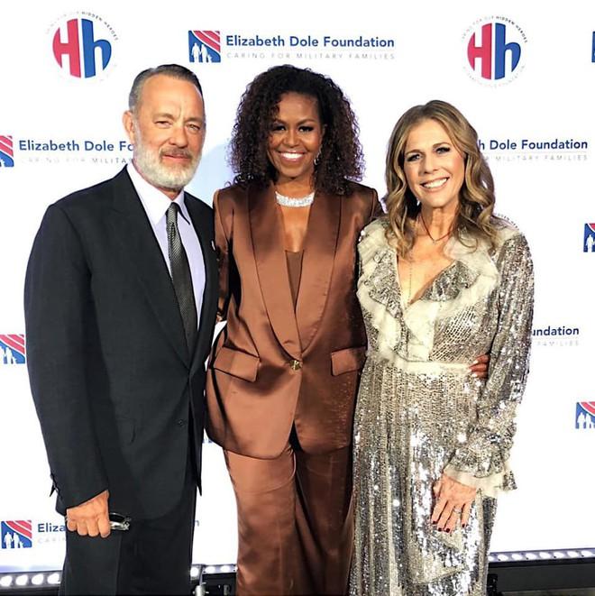 Danh tính vị khách hàng mới nhất của NTK Công Trí sẽ khiến chúng ta phải há hốc: Michelle Obama! - ảnh 2