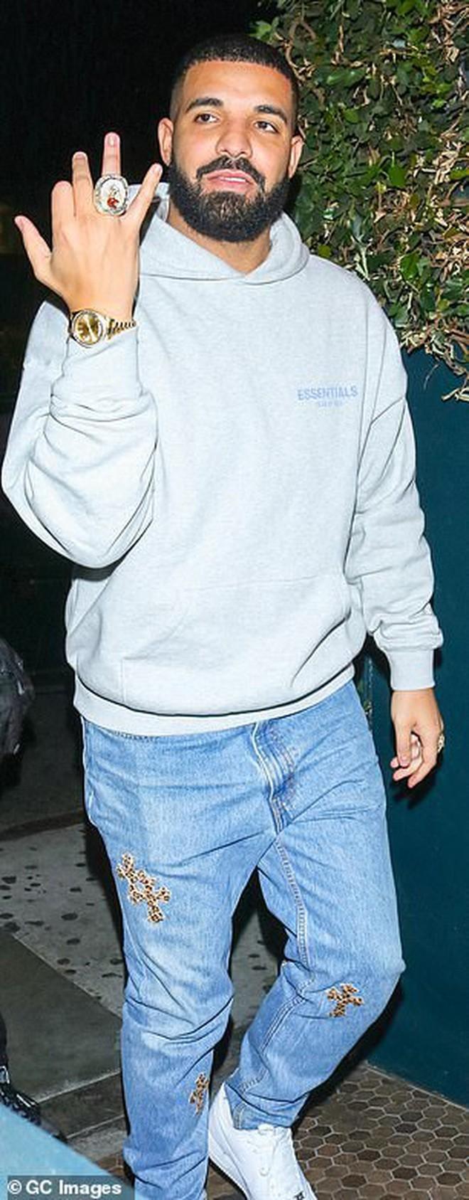 Nhanh và cực nóng: Nghi vấn Kylie Jenner hẹn hò tình cũ từng bị Rihanna friendzone chỉ sau 1 tháng chia tay Travis - ảnh 1