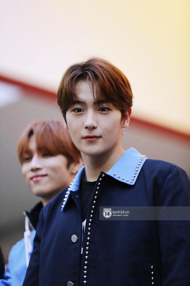 Fansign ITZY và The Boyz tại Việt Nam: 2 mỹ nhân nhà JYP gây bất ngờ vì nhan sắc, Young Hoon và Hyun Jae vẫn quá bảnh - ảnh 22